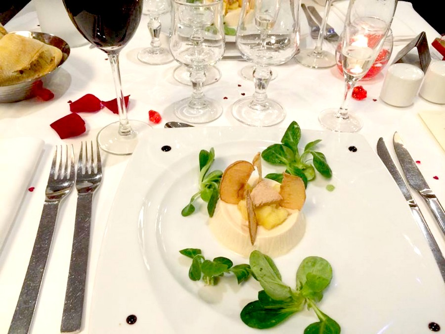 repas pour diner romantique elegant with repas pour diner romantique charming idee diner. Black Bedroom Furniture Sets. Home Design Ideas